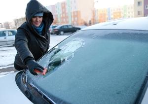 frozen-windscreen (1)