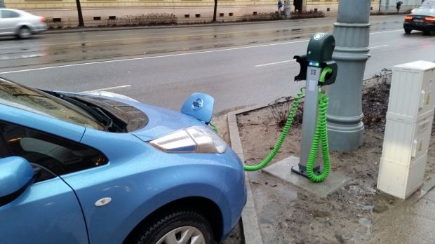 poland leaf charging