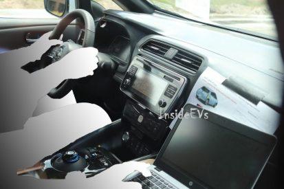 2018-nissan-leaf-spyshot-interior-1-750x500